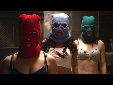 "PUSSY RIOT ""Putin Lights Up The Fires"" music video"