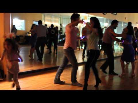 Erick y Veronica - Salsa Social @ Salrica