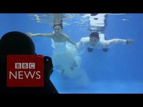 Saying 'I do': Underwater weddings in China - BBC News