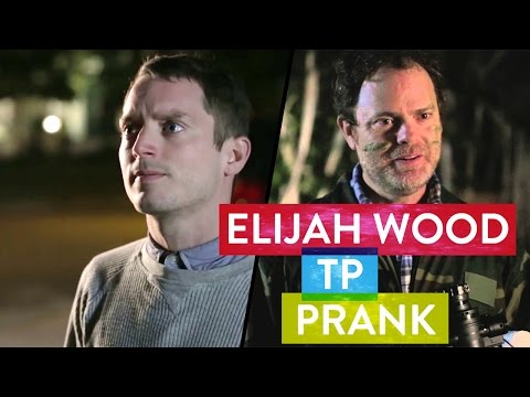 Rainn Wilson TP's Elijah Wood's House