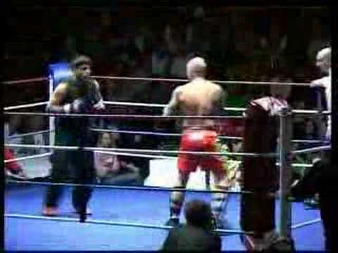 Ehsan Shafiq fights with kick boxer 2007 London Image 1