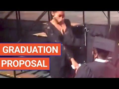 大学の卒業式でサプライズでプロポーズ!?