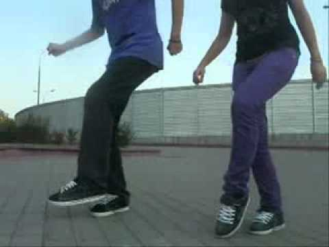 Видео как танцуют драм