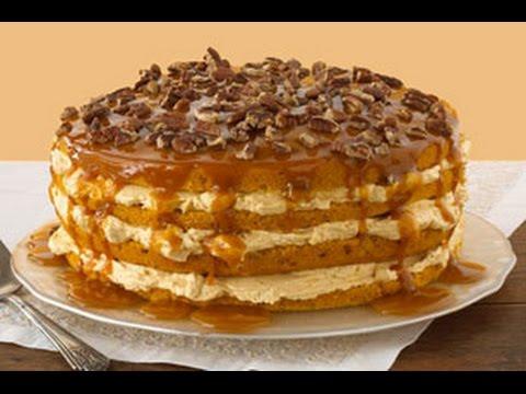 exquisito pastel de calabaza en cuatro capas