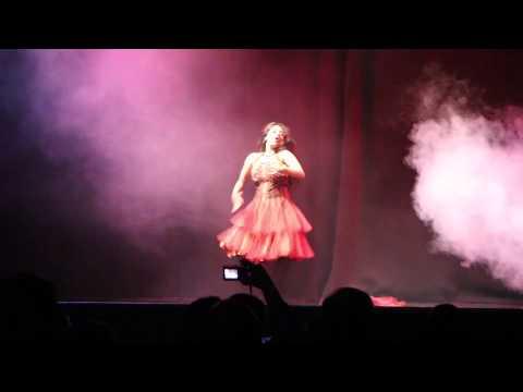 Tosha & Sunny - Piya Tu Ab Toh Aaja Dance