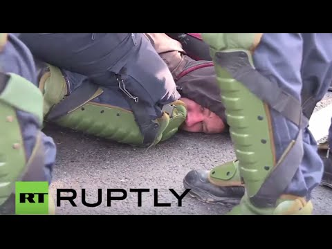 Germany: 400 protesters arrested outside AfD party congress in Stuttgart