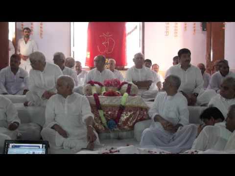Vandau Guru Ke Charan Savere - Tundla Bhandara 2010 - Ramashram Satsang Mathura Bhajan video