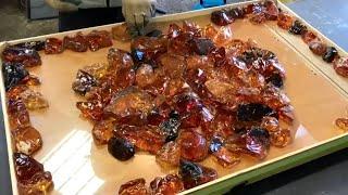 Glowing table of crystals and epoxy resin. Светящийся стол из кристаллов и эпоксидной смолы.