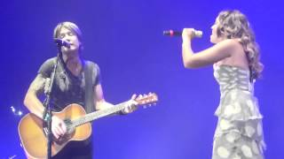 Keith Urban Video - Keith Urban Jimmy Barnes Jessica Mauboy When The War Is Over