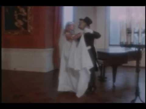 Ian Gillan - Sitting In a Dream (Butterflly Ball 1975)