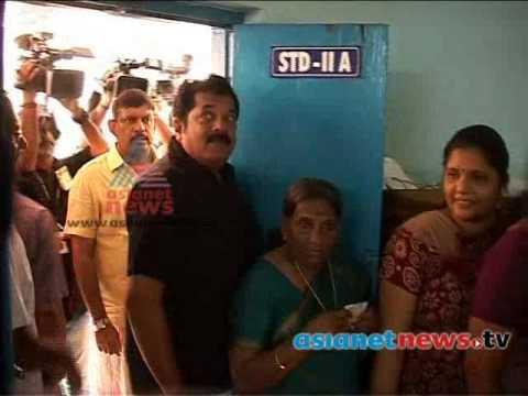 Kerala Election 2014: Mukesh (actor) on polling boothകേരളം പോളിങ്ങ് ബൂത്തിലേയ്ക്ക്