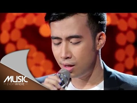 Vidi Aldiano  - Aku Cinta Kau dan Dia (Ahmad Dhani Cover) (Live at Music Everywhere) *