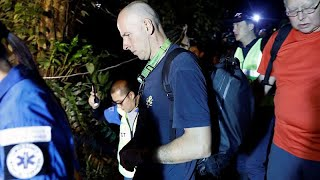 Low visibility skills were the key to British divers success in finding missing Thai boys