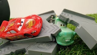 Lightning McQueen & toy cars. Kids' video.
