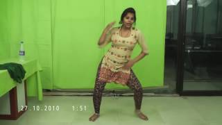 download lagu Amazing Lady Dancing On Mujhe Apni Bana Le Caller gratis