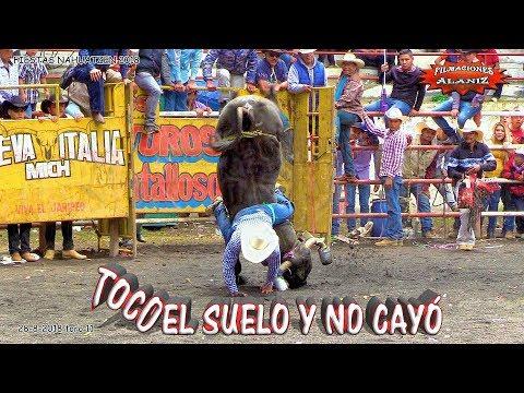 ¡!TOCO EL SUELO Y NO CAYÓ¡¡ MINUTO 11 EN LAS FIESTAS DE NAHUATZEN 2018 DIA 3 TORO DE 11