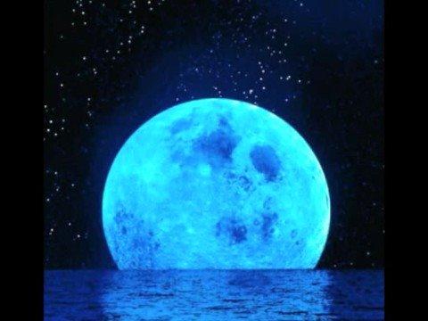 Chris Isaak - Blue Moon