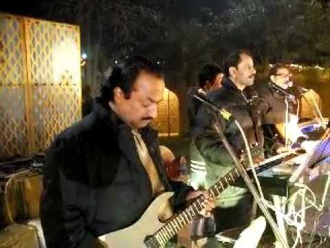 guitar solo (Ashok Kalhan) -  kina sona tenu rab ne banaya ....