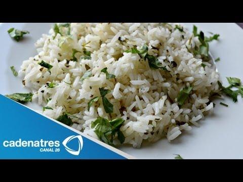 Receta para preparar arroz con cilantro y ajonjolí. Receta de arroz / Comida mexicana