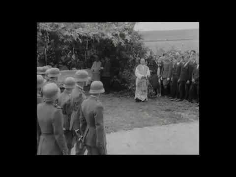 Hősi emlékmű avatása ( Mátraszőlős 1944)