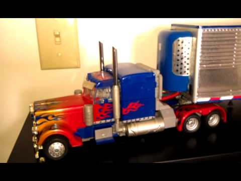 Custom Transformers Leader Class Optimus Prime Dotm