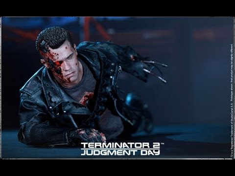 Hot Toys DX13 Sideshow Exclusive T2 Battle Damaged T800 unboxing