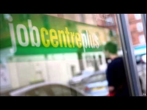 Wage growth picks up as UK unemployment falls