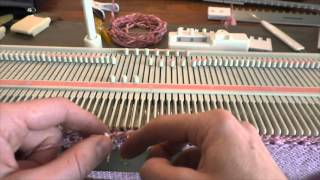 Bokstavperler på strikkemaskin - Letter beads on a knitting machine