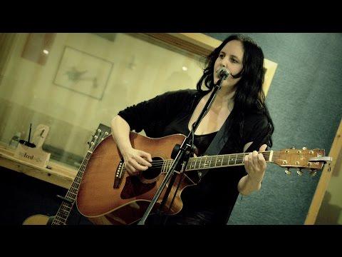 שילה פרבר בחזרות לקראת מופע השקה לאלבום 'מכתבי אהבה'