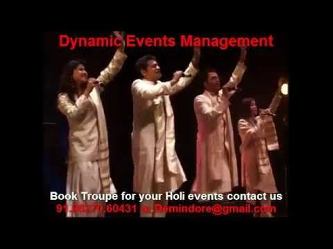Male Female Versatile Singers Group Performer Singing Holi Songs On Track Indore Event video