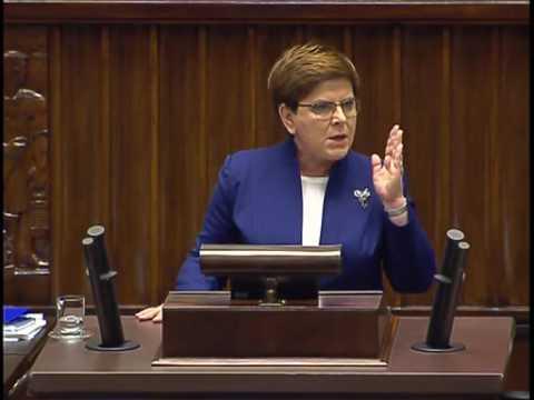 Premier Szydło odpowiada na ataki opozycji