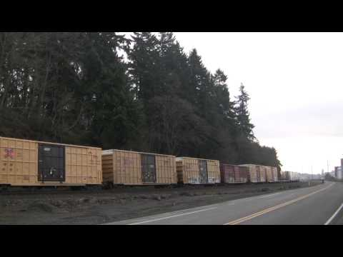 UP 8342 Leads A Mixed Freight @ Kalama, WA w Canon HF11