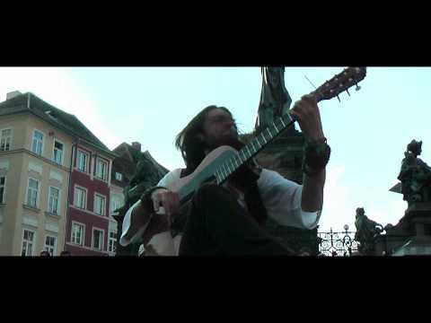 Guitar-virtuoso ESTAS TONNE