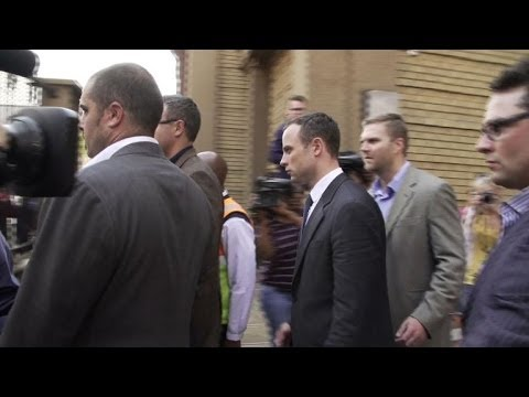 Pistorius breaks down, forcing trial adjournment