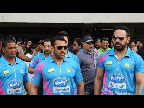 Bollywood Star Salman Khan at CCL match in Ahmedabad Gujarat - Hybiz.tv