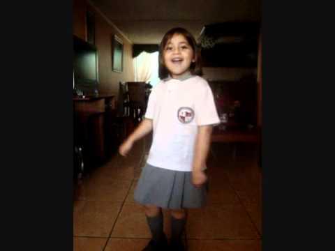 Escuchar musica gratis ccoli com musica online for Cancion infantil hola jardin