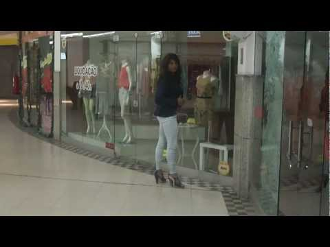 Crossdresser Shopping 01