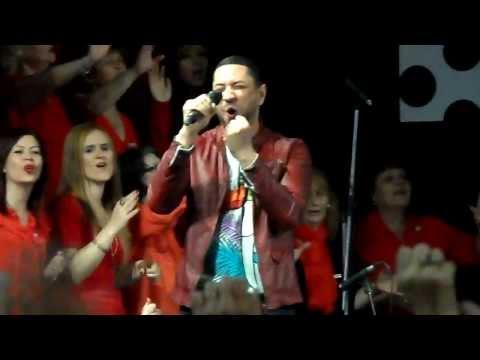 Marcos Yaroide- No Es Tu Batalla (presencia De Dios) video