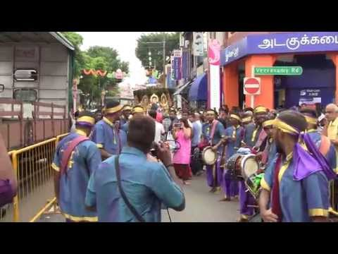 Siva Sakthi Muniandy Urumi Melam(singapore Thaipusam 2015)-amman Song video