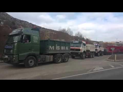 4 Tir ve 4 usta şoför burası Türkiye