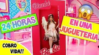 24 HORAS EN UNA JUGUETERÍA - ¡COBRO VIDA! || Bianki Place ♡