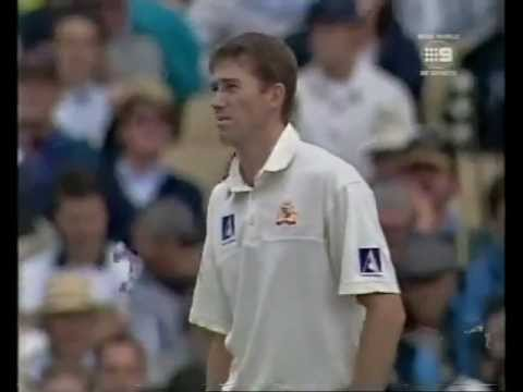 MUST WATCH Sachin Tendulkar KILLS Glenn Mcgrath