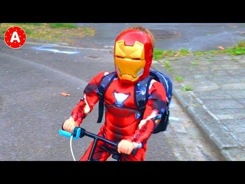 Супергерой Железный Человек Помогает Принцессе Эльза Superhero Iron Man Rescues Frozen Princess Elsa