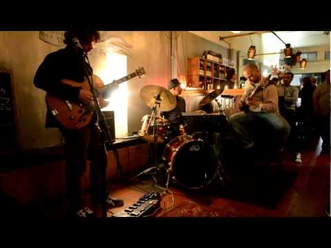 2Five9 Trio @ Verona Cafe - Caravan
