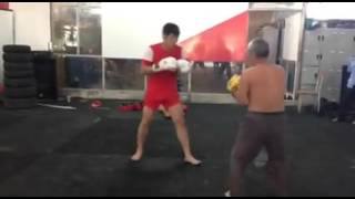 Boxing Oldman 70 year old vs young boy 26 yearold