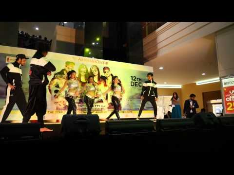 Performance at Arabian Centre Mall for promotions of Dilwale movie