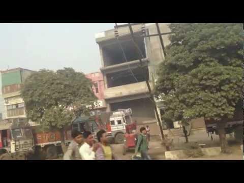 Drive Delhi to Agra, Taj Mahal visit.