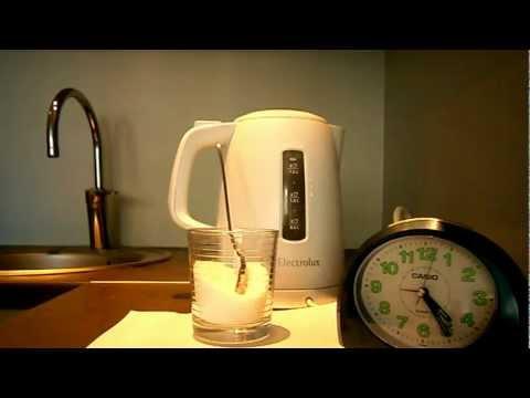 Видео как снять накипь в чайнике