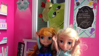 Anya and elsya scared of thunder and lightning- Anna and Elsa see a monster - Anya and elsya videos