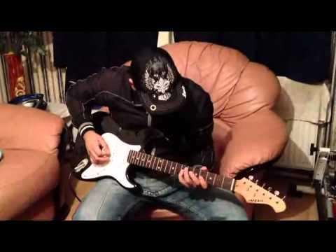 Agar tum mil jao Zamana chod denge hum on guitar